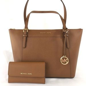 Michael Kors Ciara Tote with Jet set flap wallet